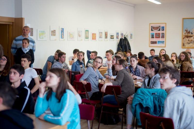 HAT-15-06-0041-050-tatabanya-arpad gimnazium-zarovetelkedo